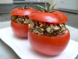Un petit déjeuner léger : duo gourmand de Tomates et Courgettes
