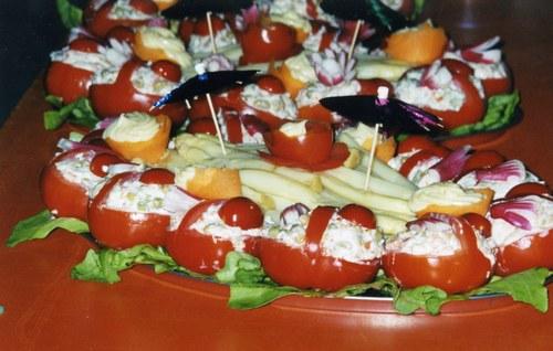 « Panier de tomate mimosa au crabe »