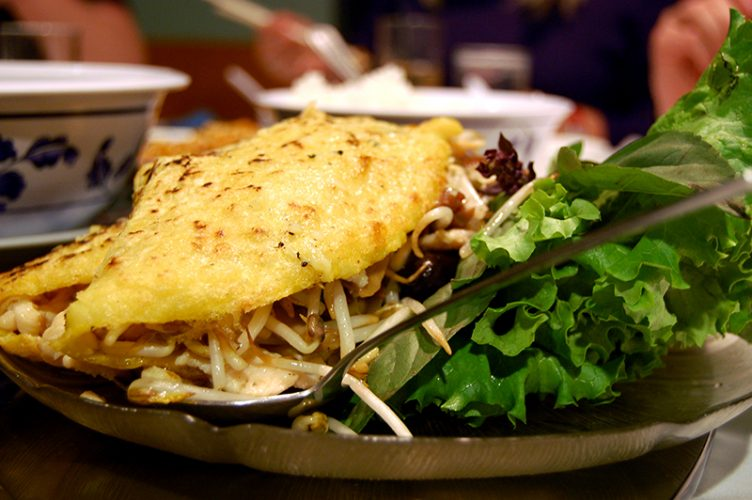 Idées d'entrée chaude pour votre repas de fête : crêpes et salades